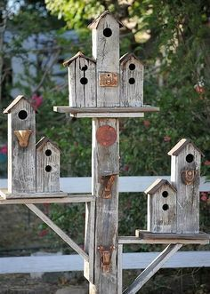 There is another kind of birdhouses made out of planks of old fence wood joined together to form a set of birdhouses. The hut-like structure and rustic, country side look is simply adorable. You can adorn and decorate it with anything you like.