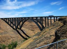 Redmon Bridge on I-82 over Ellensburg Canyon north of Yakima, Washington. This is the longest concrete span in the United States. ~~ 8/26/2009