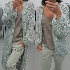 Short or long? #kirobykim #chunkyknits #handmadeinrotterdam #fashionknit #looseknit