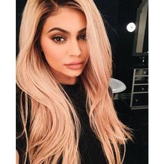 In recent years, women have been more upfront about using hair extensions or wigs. Even celebrities like Kylie Jenner and Khloe Kardashian have shamelessly admitted to owning multiple wigs or using extensions to create their coveted looks. Kendall Jenner, Kylie Jenner Fotos, Looks Kylie Jenner, Estilo Kylie Jenner, Kyle Jenner, Kylie Jenner Makeup, Kylie Jenner Style, Kylie Jenner Instagram 2016, Jenner Photos