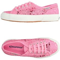 Superga® Low-tops & Sneakers (1.865 ARS) ❤ liked on Polyvore featuring shoes, sneakers, pink, superga shoes, lace sneakers, round toe flat shoes, lace flat shoes and flat sneakers
