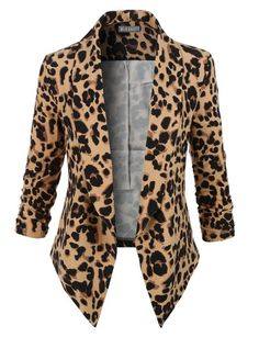 Sharpen your wardrobe with this leopard sleeve draped open front blazer. A softly draped open-front silhouette softens the look while the asymmetrical hem adds a modern touch to this blazer. Leopard Blazer, Leopard Print Jacket, Cheetah Print, Leopard Outfits, Floral Blazer, Look Fashion, Autumn Fashion, Blazer Outfits Casual, Casual Wear