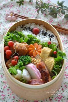 posted by @fairyrosekitty 旦那弁当もありまーす。#obentoart #obento #曲げわっぱ #わっぱ弁当 Japanese Bento Lunch Box, Bento Box Lunch, Japanese Food, Bento Recipes, Cooking Recipes, Cooking Tips, Cute Food, Asian Recipes, Food Inspiration