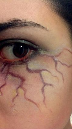 TOO MUCH. chill out, cullen fans – Halloween Makeup - Water ZU VIEL. chill out, cullen fans - Halloween Make-up - Halloween Zombie, Sugar Skull Halloween, Cute Halloween Makeup, Halloween Costumes, Halloween Nails, Halloween Make Up Scary, Zombie Make Up, Halloween College, Zombie Walk
