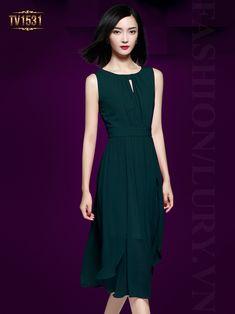 một chiếc váy đầm dự tiệc sang trọng dành cho tuổi trung niên màu đen sẽ là sự việc chọn lựa an toàn và tin cậy