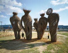 Entre architecture, land art et sculpture, je vous propose de découvrir…