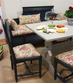 Pirtinpöytä, druvantuolit, sivustavedettäväsohva