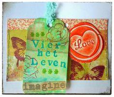 Handgemaakte envelop met inhoud... Paper Shopping Bag, Mixed Media, Design, Home Decor, Decoration Home, Room Decor, Home Interior Design, Mixed Media Art