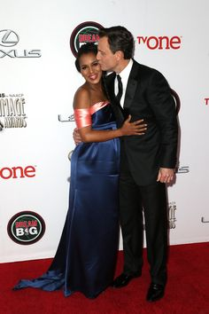 Kerry Washington saw affection from Scandal costar Tony Goldwyn at the NAACP Image Awards
