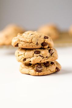 just when I thought I found my favorite chocolate chip cookie, these brown butter butterscotch chocolate chip cookies swept in to take their place I have gone from never baking cookies, to baking a batch or two nearly every week. You can never have too many cookies at home right? At least that's what the …