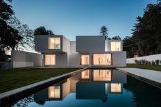 Uma casa feita de blocos empilhados | P3