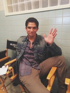 Tyler Posey on the set of Teen Wolf Season 5 Teen Wolf 4, Tyler Posey Teen Wolf, Teen Wolf Cast, Scott Mccall, Stiles, Teen Wolf Season 5, Werewolf Hunter, Victoria Moroles, Charlie Carver