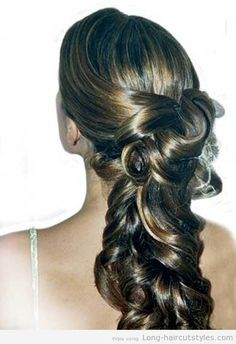 Bridal-Hairstyles-for-Long-Hair-Half-Up-with-Veil-new.jpg 500×730 pixels