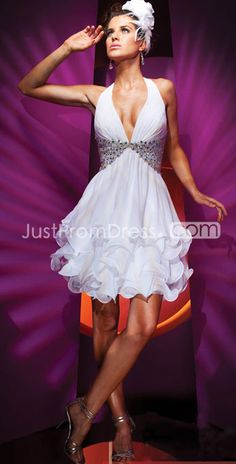Charming Chiffon Halter Neckline Sleeveless A-Line Cocktail Dresses