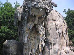 """""""El Coloso de los Apeninos"""" de Giambologna."""