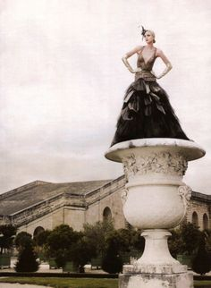 Karl Lagerfeld, High fashion: Jessica Stam, Atelier Versace Couture Fall 2007, Harper's Bazaar US, November