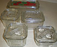 depression glass refrigerator containers-I have one of these that belonged to my grandmother Antique Dishes, Antique Glassware, Vintage Dishes, Vintage Pyrex, Vintage Decor, Vintage Items, Vintage Stuff, Cobalt, Vintage Kitchenware
