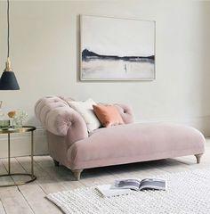 Bedroom Reading Nooks, Bedroom Couch, Home Bedroom, Apartment Interior, Home Interior, Decor Interior Design, Living Room Furniture, Home Furniture, Living Room Decor