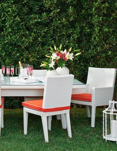 Our Palermo Dining Collection offers generous proportions for ultra-comfortable outdoor dining. The gently curved chair backs and dining tables are crafted from woven white fibers, smoothly double woven down each slightly tapered table and chair leg. Sturdy powdercoated aluminum frames are concealed from sight. Dining tables are topped with tempered glass.