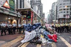 香港・旺角の民主派デモ拠点、警察がテントなど撤去 国際ニュース:AFPBB News