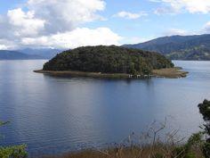 (IMAGENES) ISLA DE LA COROTA   Laguna De La Cocha (por Experiencia Colombia).