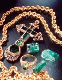 Tesoros procedentes del naufragio del Nuestra Señora de Atocha. Cruces, anillos y eslabones de algunas cadenas de oro atocha treasure from the deep