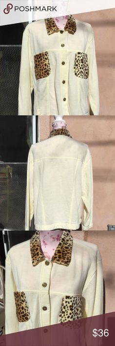 """Susan Coll. Fleece leopard styled button up shirt Feels like a sweatshirt, fancy jacket 🧥 instead! Leopard buttons!  26"""" in length, bust 22"""" laying flat Susan Collections Jackets & Coats"""