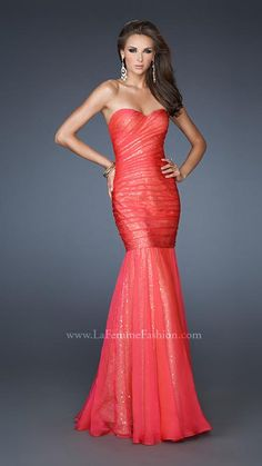 { 18949 | La Femme Fashion 2013 } La Femme Prom Dresses - Sequin Underlay - Mermaid Style - Sweetheart Strapless - Ruched All Over