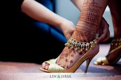 Indian bridal shoes or heels. Bridal henna or mehendi feet. Bridal Heels, Wedding Heels, Wedding Bride, Wedding Ceremony, Small Bridal Bouquets, Kate Spade Bridal, Gold High Heels, Elegant Bridal Shower, Indian Bridal Lehenga