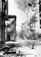 Guernica bombardée.
