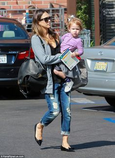 20 October 2014Looking good as usual! Jessica Alba tenderly held her sweet little girl Haven in her arms ...
