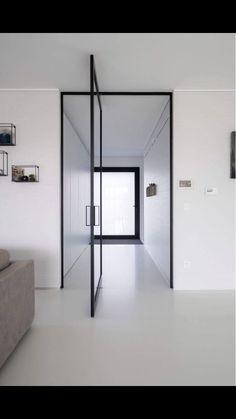 Modern glass pivoting doors made-to-measure with innovative hinges Pivot Doors, Sliding Doors, Modern Entrance, Aluminium Doors, Modern Glass, Minimalist Home, Door Design, Interior Design Living Room, Glass Door