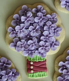 Hydrangea bouquet by TheHungryHippopotamus Galletas Cookies, Baby Cookies, Baby Shower Cookies, Iced Cookies, Cute Cookies, Easter Cookies, Birthday Cookies, Royal Icing Cookies, Cupcake Cookies