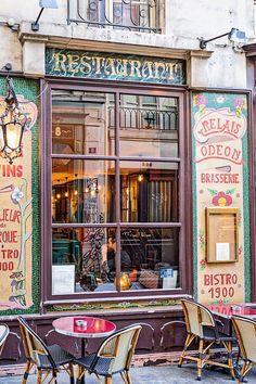 Paris restaurant window in the 6th.