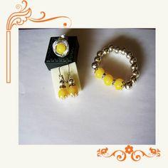 CPPA-111 Realizados con bolas de nacar y plateadas, abalorios, anillo adaptable.
