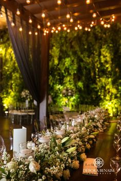 Sabe aquele tipo dedecoração de casamentoque você bate os olhos e já se apaixona?! Pois então: foi assim que eu fiquei quando eu vi esse projeto incr&i...