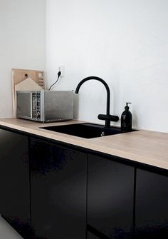 30 Awesome Black And White Wood Kitchen Design Ideas Ikea Kitchen Design, Modern Kitchen Design, Interior Design Kitchen, Black Ikea Kitchen, Kitchen Ideas, Design Bathroom, White Wood Kitchens, Cool Kitchens, Classic Kitchen