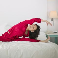 Stretches That Make For a Deep Sleep health-and-fitness Fitness Motivation, Fitness Tips, Fitness Quotes, Yoga Fitness, Health Tips, Health And Wellness, Health Fitness, Health Care, Vive Le Sport
