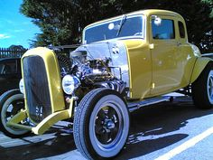 Another Beautiful 32 Ford 5 Window.
