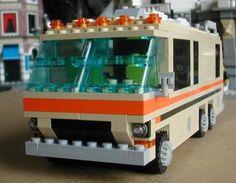 LEGO GMC Motorhom - This is just cool! Classic Gmc, Gmc Motorhome, Gypsy Wagon, House On Wheels, Lego Creations, Happy Campers, Legos, Retirement, Rv