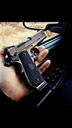 Sig Sauer 1911 Emperor Scorpion Sig 1911, 1911 Pistol, Weapons Guns, Guns And Ammo, M1911, Everyday Carry Gear, Custom Guns, Military Guns, Sig Sauer