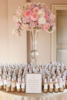 Top 4 Wedding Decor Trends for 2016 Brides ❤ Can't wait to see wedding decor trends for 2016? So we are! See more: http://www.weddingforward.com/wedding-decor-trends/ #weddings #decoration