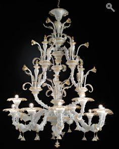 """Calle Corte Nuova White & Gold H 66,9"""" Diam 51,19 -  9+3 Lights - 2 Tiers  $26.000,00"""