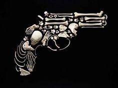 """Stop the Violence"" Arte con huesos humanos por Francois Robert Human Skeleton, Skeleton Art, Skeleton Bones, Tattoo Caveira, Internet Trends, Gun Art, Creepy Art, Creepy Pics, Skull And Bones"
