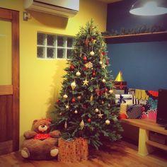 1616roomさんの、クリスマスツリー,ペイント壁,marimekko,色壁,こどもと暮らす,クリスマス,ガラスブロック,机,のお部屋写真