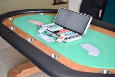 DIY Texas Holdem Poker Table Casino Night Party, Casino Theme Parties, Party Themes, Poker Table Diy, Diy Table, Costume Moulin Rouge, Las Vegas, Casino Table, Casino Buffet