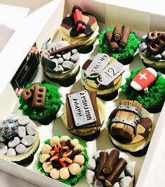 Fortnite cupcakes 🧨⛏🧱 . . . . . . #fortnite #fortnitecakes #fortnitecupcakes #cupcakes #battleroyale #cakestagram #cakedecorating… Kid Cupcakes, Themed Cupcakes, Birthday Cupcakes, Cupcake Cookies, Cupcake Toppers, Army Cupcakes, 9th Birthday, Birthday Ideas, Cake Decorating Tutorials