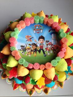 Tarta grande de la Patrulla Canina!! Chocolates, Paw Patrol Party, Ale, Birthday Cake, Grande, Desserts, Pictures, Food, Candy Stations