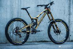 Bikes of the Best - Val di Sole DH World Champs 2016 - Pinkbike Trek Mountain Bike, Mountain Biking Quotes, Mountain Bike Frames, Downhill Bike, Mtb Bike, Road Bike, Bmx Bikes, Cycling Bikes, Cycling Art