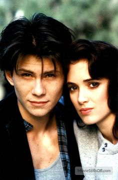 A gallery of Heathers publicity stills and other photos. Featuring Winona Ryder, Christian Slater, Kim Walker, Shannen Doherty and others. Heathers El Musical, Jd Heathers, Winona Ryder Heathers, Christian Slater Heathers, Young Christian Slater, Jason Dean Heathers, Veronica Heathers, Jd And Veronica, 1980s
